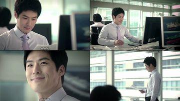 办公室里上班的白领帅哥视频素材下载