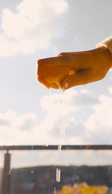 挤橙汁竖屏视频素材