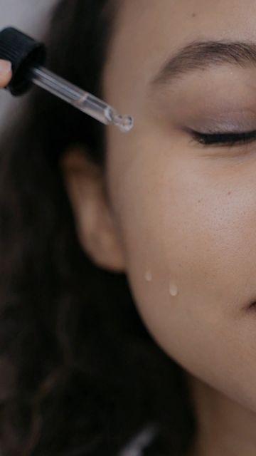 滴精华液在脸上视频素材