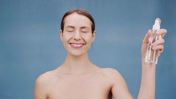 4K美妆往脸上喷水视频素材